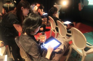 ipad event 2 300x199 Zuji Singapores Top Secret Hotel Event